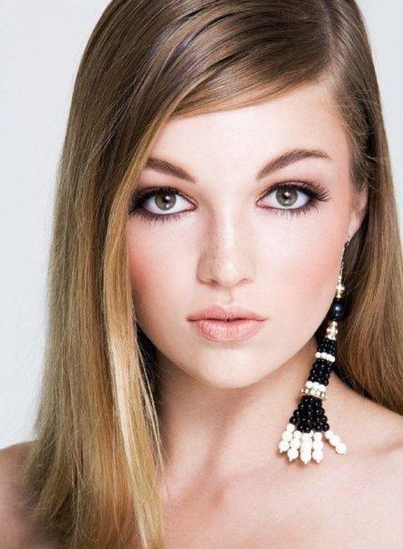 Lili Simmons: http://www.wisetrail.com/bookmark/Celebrity_bookmark73577337.html